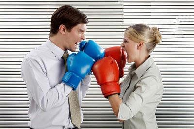 Молчать, ссориться или спорить?