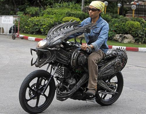 Самые необычные транспортные средства со всего мира (20 фото)