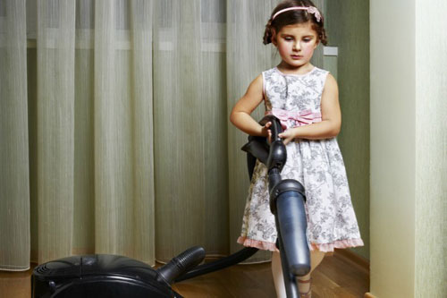 Как приучить ребенка выполнять домашние дела