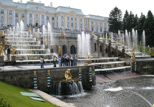 Почему Москва – не культурный центр