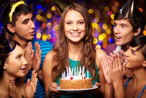 Что лучше подарить на День рождение другу