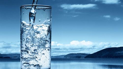 Помогает водой красоте и здоровью