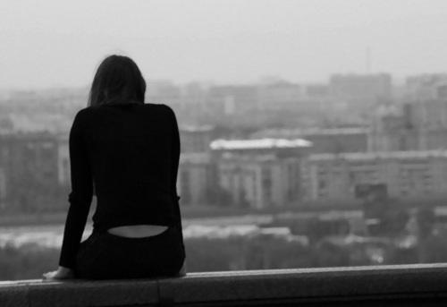 Утопая в мегаполисе: депрессия и смысл жизни