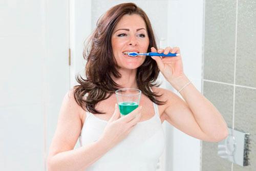 Как правильно ухаживать за полостью рта?
