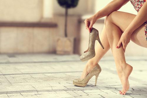 Боли в мышцах женщин и решение проблем