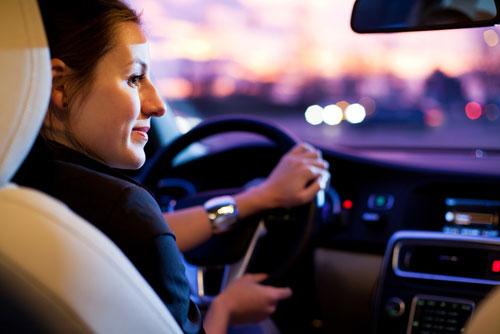 Как женщине научиться водить