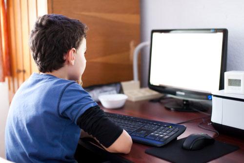 Как отвлечь ребенка от экрана монитора