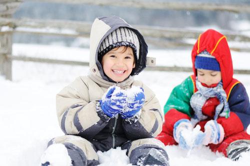 Зимние развлечения для ребенка