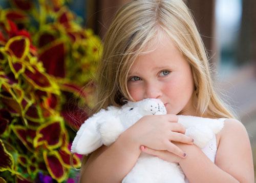 помочь ребенку преодолеть застенчивость