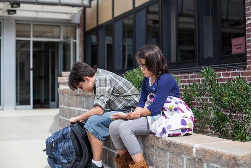 Причины, по которым ребенок отказывается идти в школу и их решение