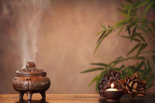 Выбираем ароматы для дома - свечи и благовония