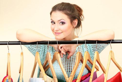 Как выгодно покупать женскую одежду на распродажах