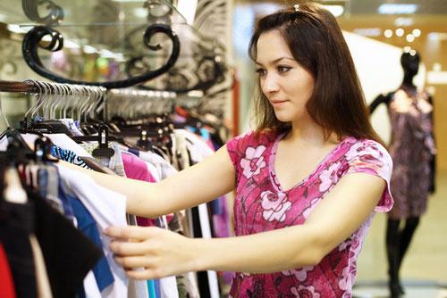 выгодно покупать женскую одежду на распродажах
