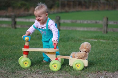 Какие развивающие игрушки можно купить ребенку до года