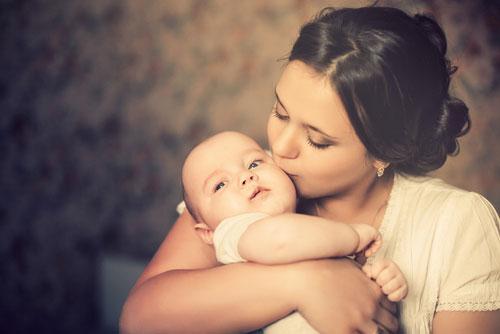 молодым родителям по уходу за новорожденным