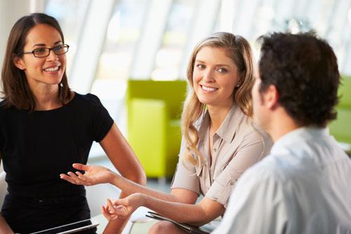 Как легко понравиться окружающим и произвести хорошее впечатление?