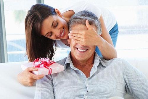 Что подарить мужу? Нестандартные варианты подарков