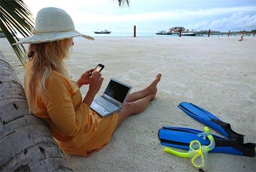 Как совместить отдых во время отпуска с работой?