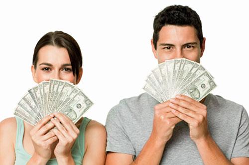 Кто больше тратит - мужчины или женщины?