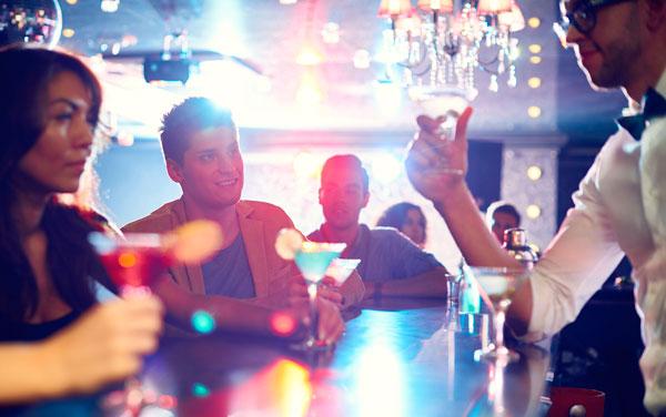 Что такое работа барменом: советы для новичков
