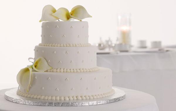 Свадебный торт – главное блюдо праздничного стола
