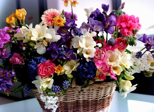 Заказ и доставка эффектных букетов, цветочных композиций и корзин