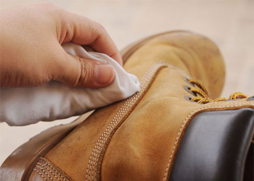 Летний уход за зимней обувью