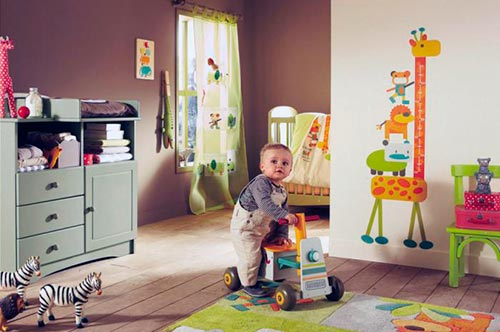 Опасные вещи для детской комнаты