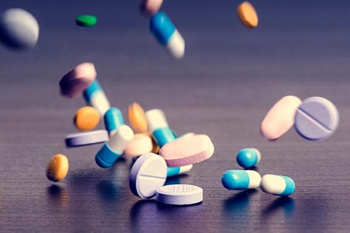 Стоит ли покупать лекарства онлайн