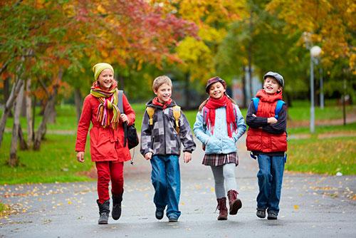 Основные требования к детской одежде и обуви