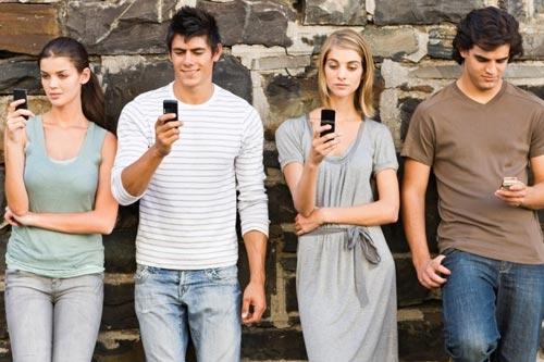 Жизнь в сети: почему мы перестали говорить друг с другом