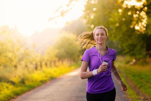 7 причин начать бегать по утрам