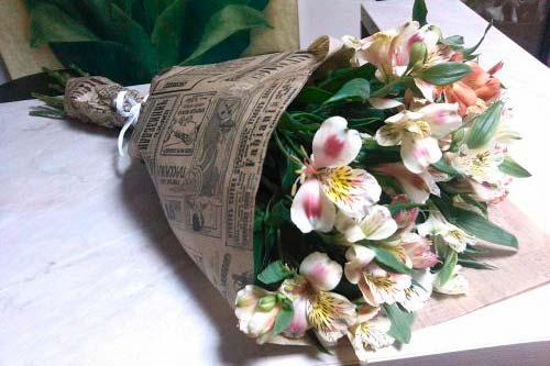 Не уставайте близким дарить цветы!