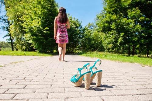 Обувь на лето: из чего и как выбирать
