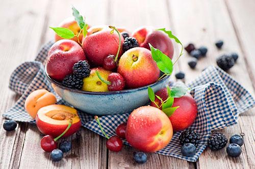 Какие продукты питания помогут сохранить красоту и здоровье