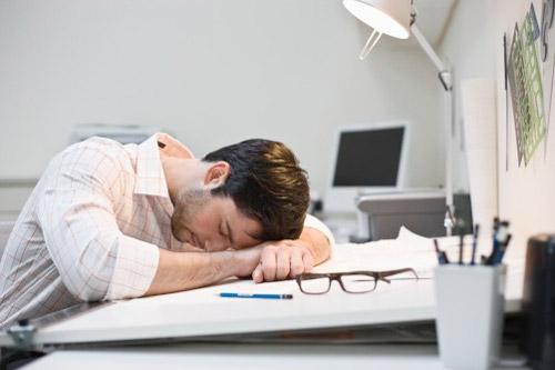 Почему мы чувствуем усталость: 10 причин