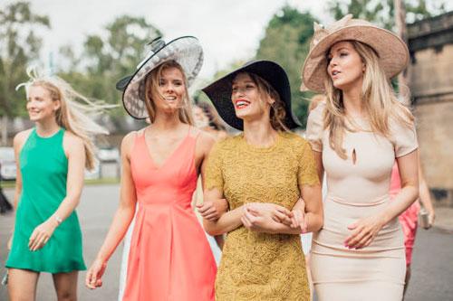 Выбираем женскую одежду по цветотипу