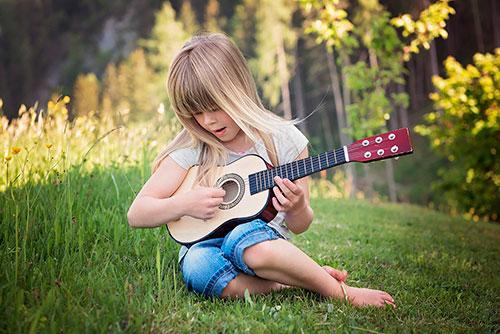 Приучать к прекрасному нужно с детства