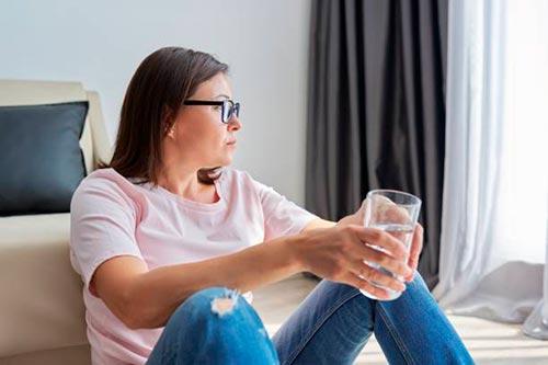 Кризис среднего возраста у женщин: причины, симптомы и способы преодоления