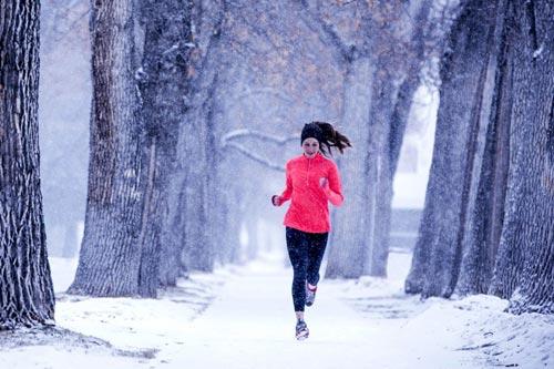 7 способов вытащить себя на пробежку с утра зимой