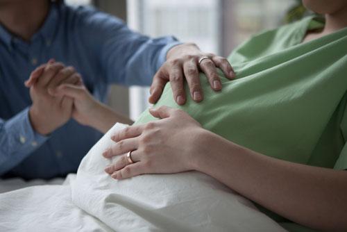 Преимущества и недостатки партнерских родов